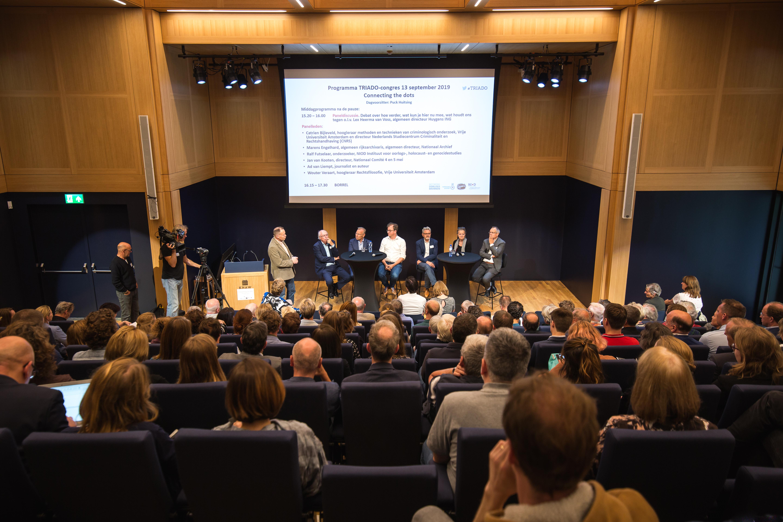 Paneldiscussie o.l.v. Lex Heerma van Voss (algemeen directeur Huygens ING)