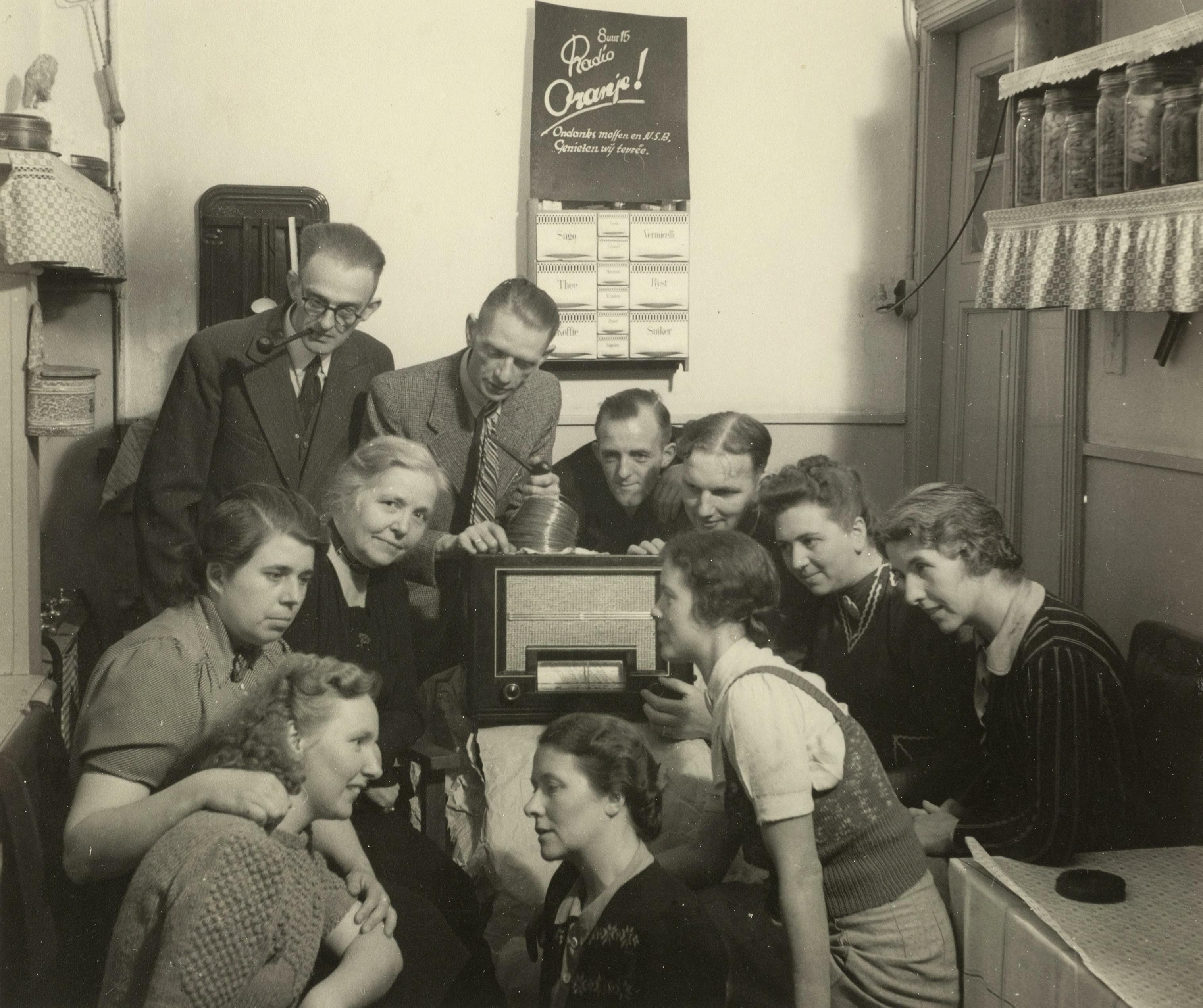 Illegaal luisteren naar de radio in Haarlem