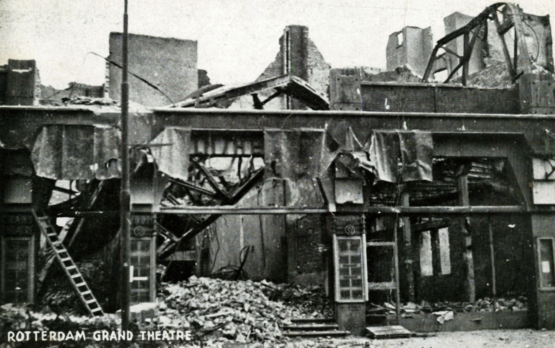 Grand Theater Rotterdam na bombardement 14 mei 1940