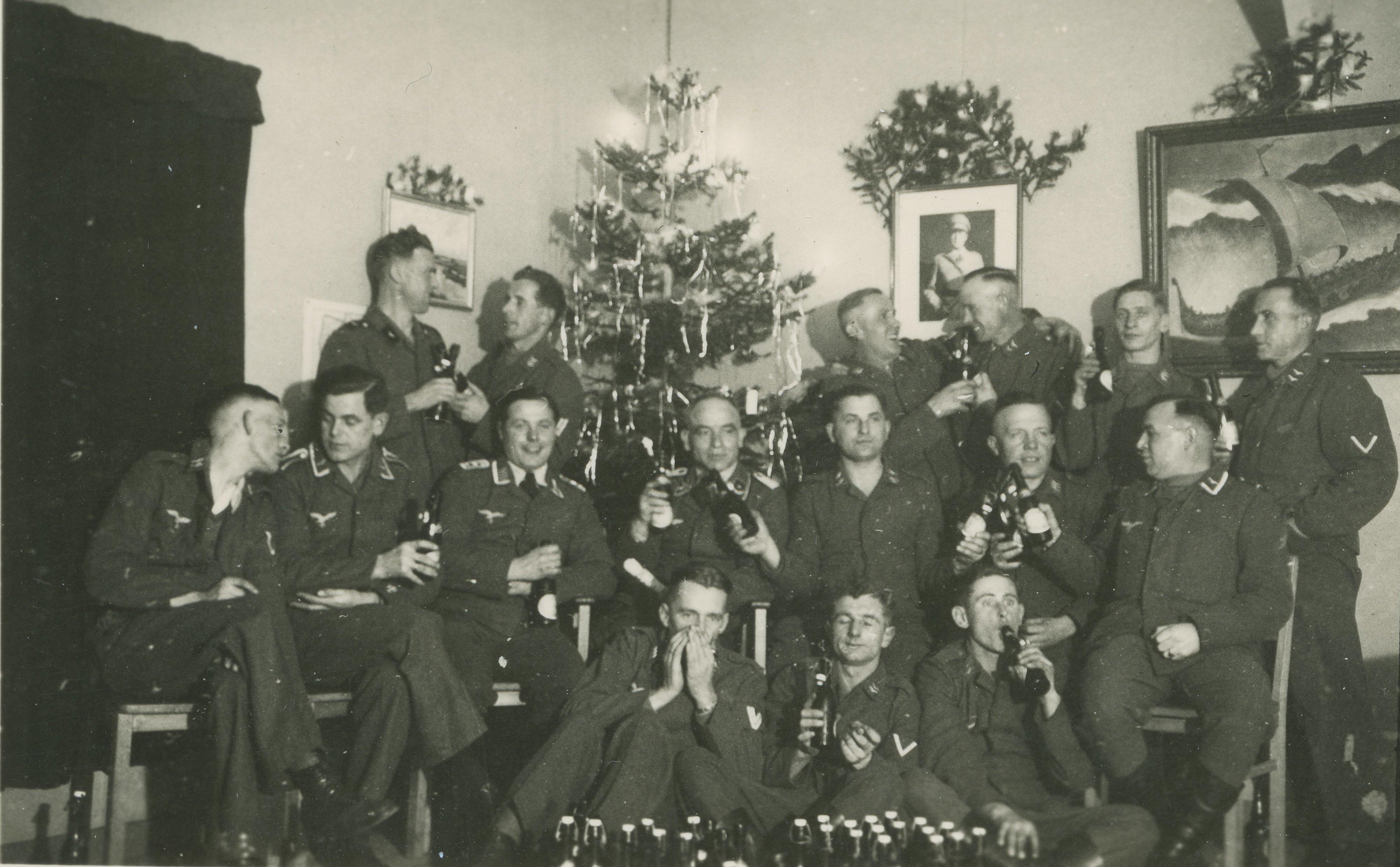 Luftwaffe personeel viert kerst op vliegveld Soesterberg