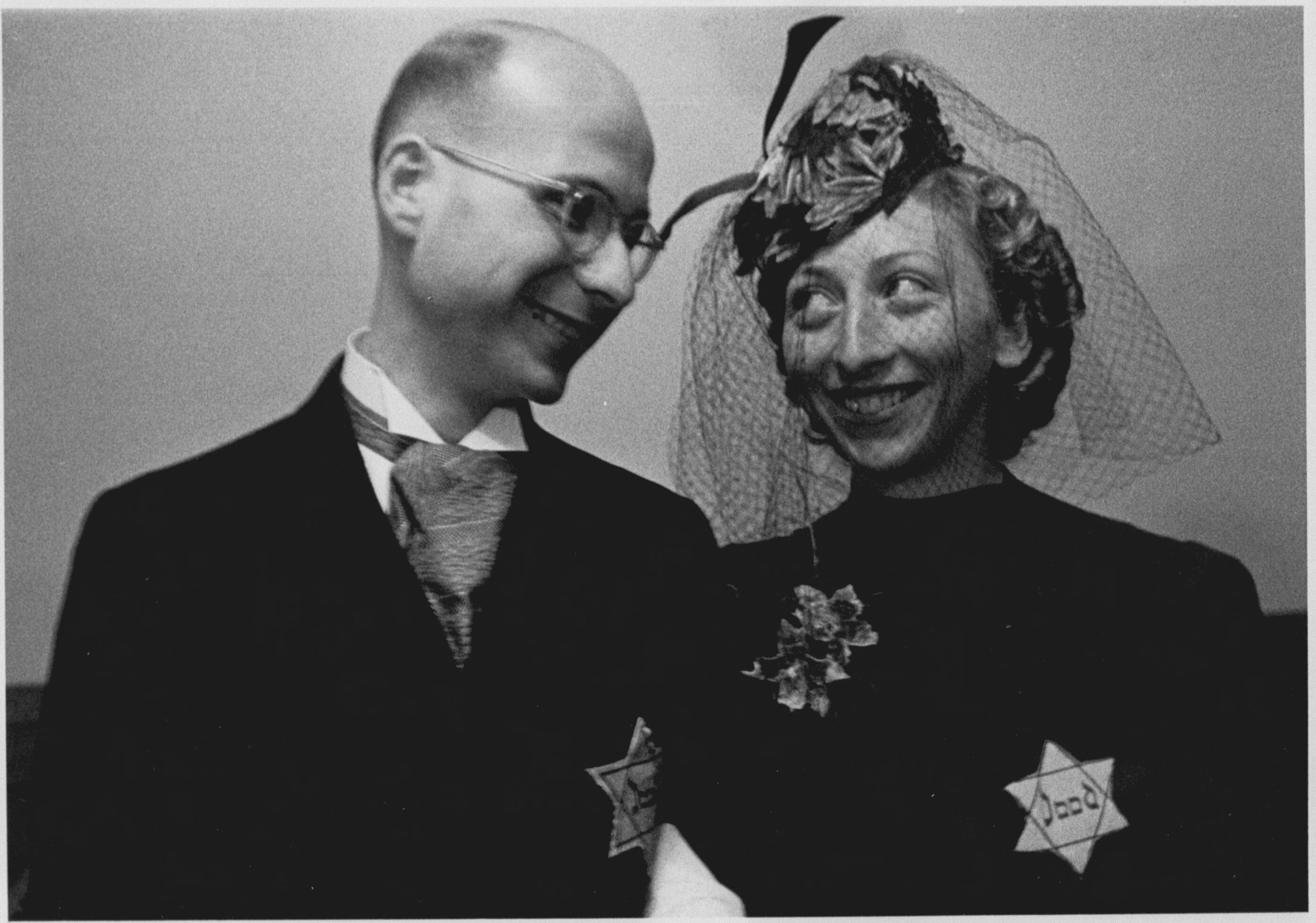 Huwelijk tussen Edie van Biene en Sonja Rood