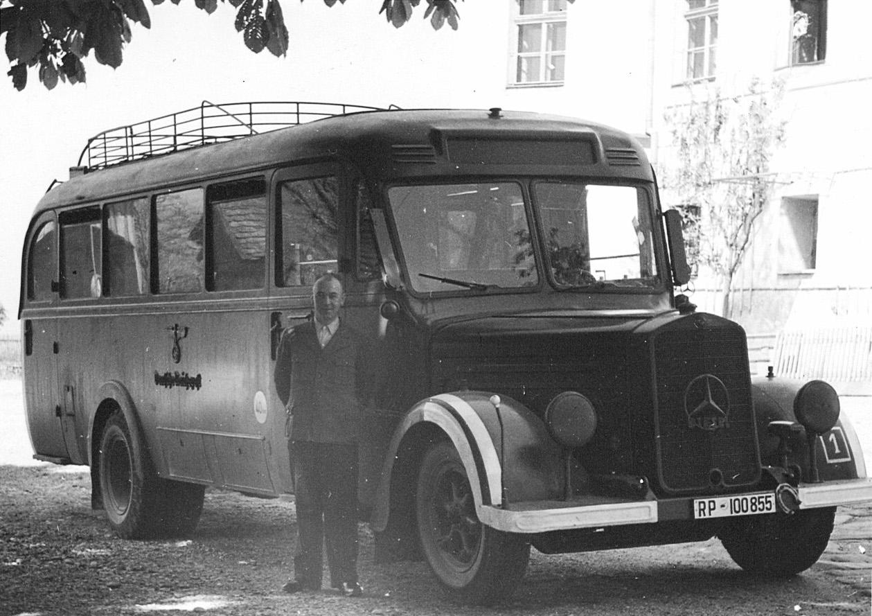 Geblindeerde bus waarmee slachtoffers naar Hartheim getransporteerd werden