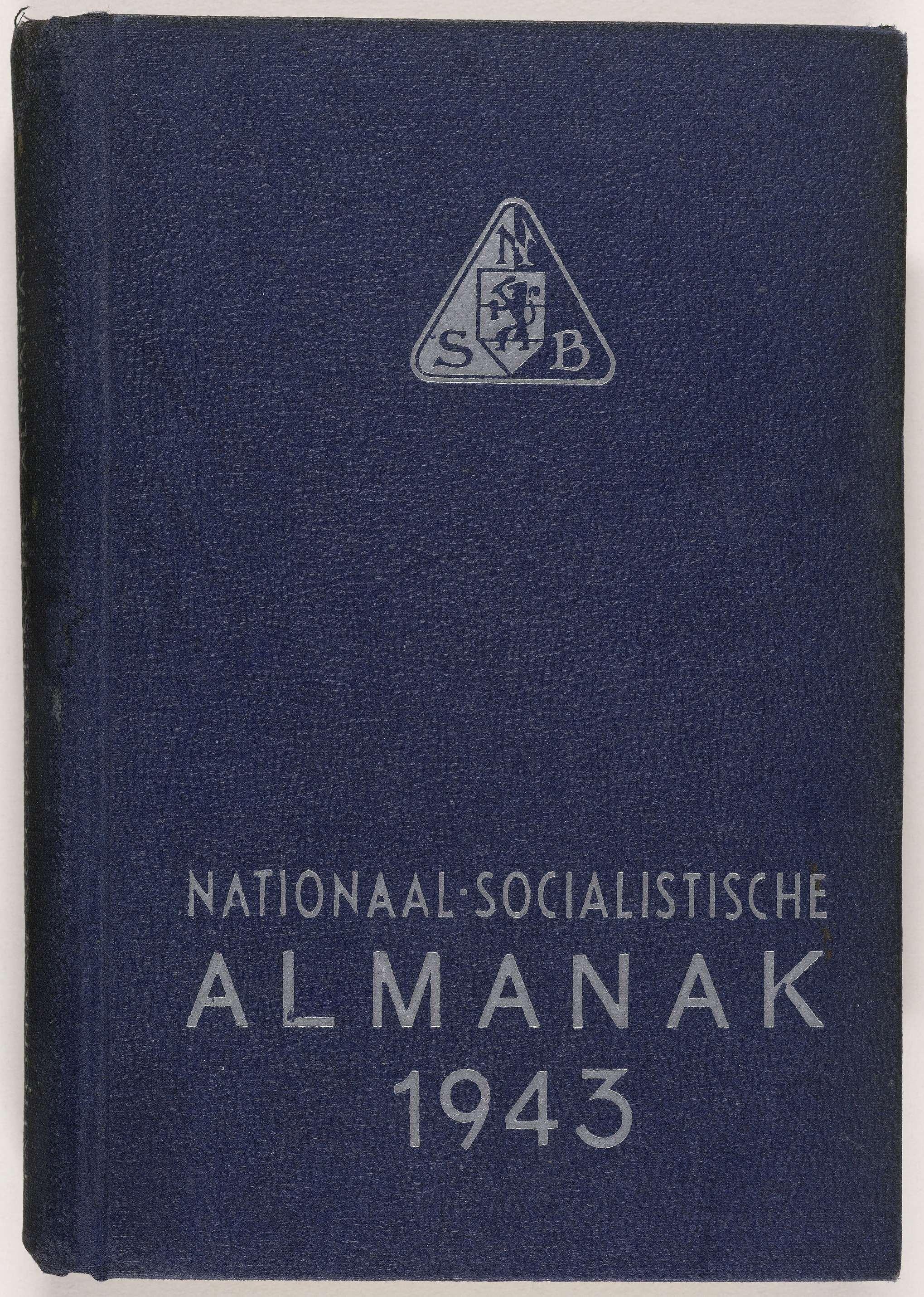 De NSB almanak van 1943, met daarin de namen van de NSB'ers die vanuit Indonesië naar Suriname zijn overgebracht en gevangen zitten in Kamp Jodensavanne