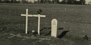 Graf van drie Franse soldaten, waaronder een uit Marokko