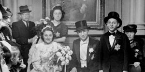 Huwelijk van Emanuel Swaab (1920-1948) en Margaretha van Witsen (1920-2009), ergens in 1942